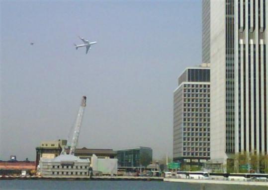 low-flying-plane